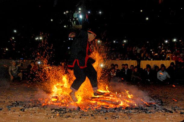Lễ hội kéo chày của người Pà Thẻn (Nguồn: Internet)
