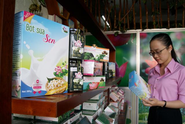 Bột sữa sen của Hợp tác xã Sen Việt.