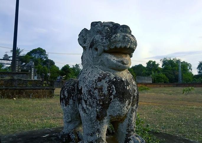 Những kiến trúc nét điêu khắc cổ xưa vẫn còn lưu lại ở thành Hoàng Đế.