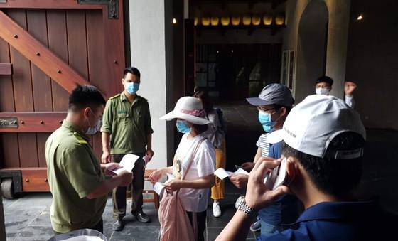 Số du khách đến Yên Tử năm nay ước chỉ khoảng chưa tới 1/10 con số mọi năm, trước khi có dịch Covid- 19. Tuy nhiên, trong bối cảnh dịch bệnh còn nhiều diễn biến phức tạp, tiềm ẩn các nguy cơ lây lan trong cộng đồng thì con số này đảm bảo an toàn cho công tác phòng, chống Covid-19.