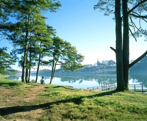 Hồ ở Madagui.