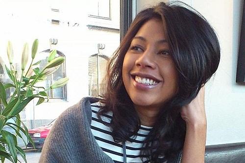 Alia hiện là chủ một cửa hàng online tại Singapore, trong khi chồng là giám đốc vùng của một công ty công nghệ. Ảnh: Alia Sahari.