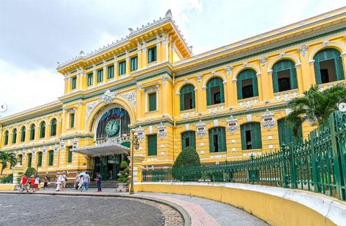 Bưu điện Thành phố là địa điểm mà Alia Sahari rất thích khi tới TP HCM. Ảnh: Straits Times.