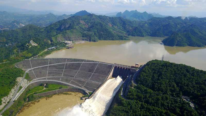 Hồ Thủy điện Hòa Bình. Ảnh: Phạm Hùng