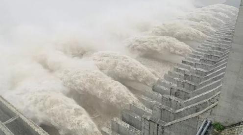 Đập Tam Hiệp đạt đỉnh lũ lớn nhất kể từ khi xây dựng hồ chứa: 75.000 m3 nước/giây. Ảnh: CGTN