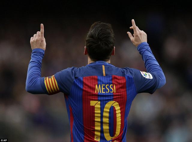 Messi trở thành cầu thủ có nhiều cú sút phạt thành bàn nhất lịch sử Barcelona
