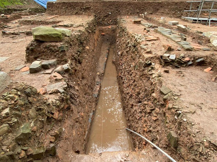 Hệ thống cống nước thời Đại La được tìm thấy qua đợt khai quật từ tháng 7-2019