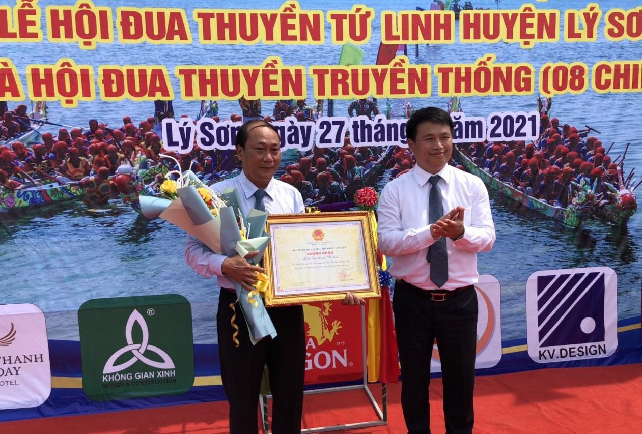 Lý Sơn đón bằng công nhận Di sản văn hóa phi vật thể quốc gia Lễ hội đua thuyền Tứ linh.