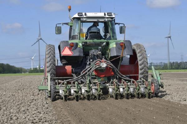 Máy làm đất tại mô hình Farm of the Future. Ảnh: Oane de Hoop.