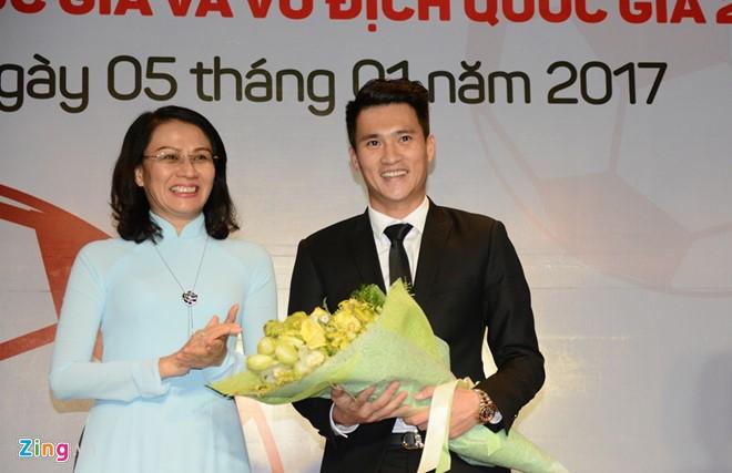 Cong Vinh lam quyen Chu tich CLB TP.HCM hinh anh 2