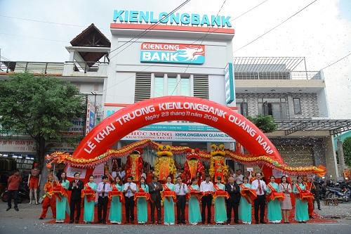 Nghi thức cắt băng khai trương Kienlongbank Quảng Nam