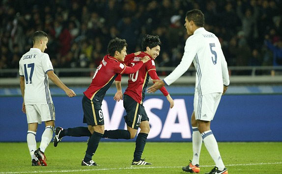 ronaldo-lap-hat-trick-real-gianh-fifa-club-world-cup-page-2-2