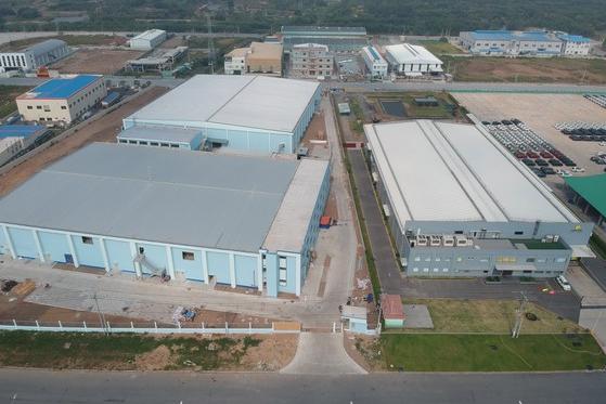 Một loạt nhà máy mới đi vào hoạt động và sắp hoạt động tại KCN Hiệp Phước, huyện Nhà Bè. Ảnh: CAO THĂNG.