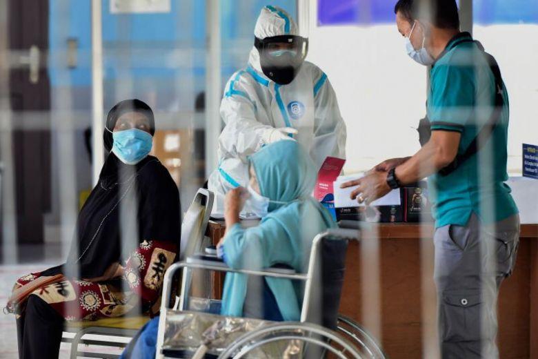 Indonesia vẫn chưa kiểm soát được dịch bệnh. Ảnh: AFP